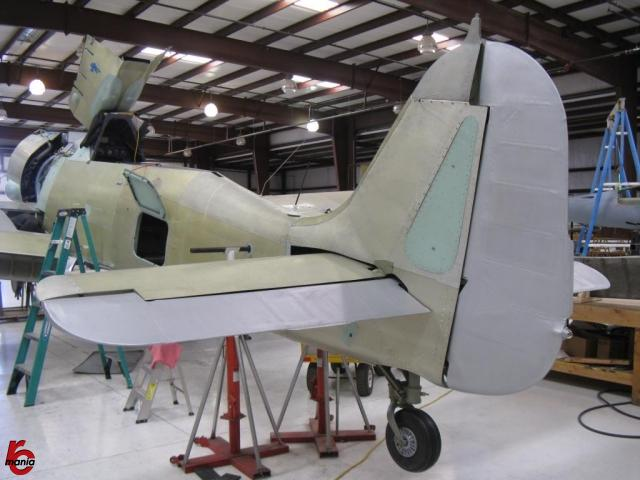 Fw-190-21-Rudder-and-elevators-installed